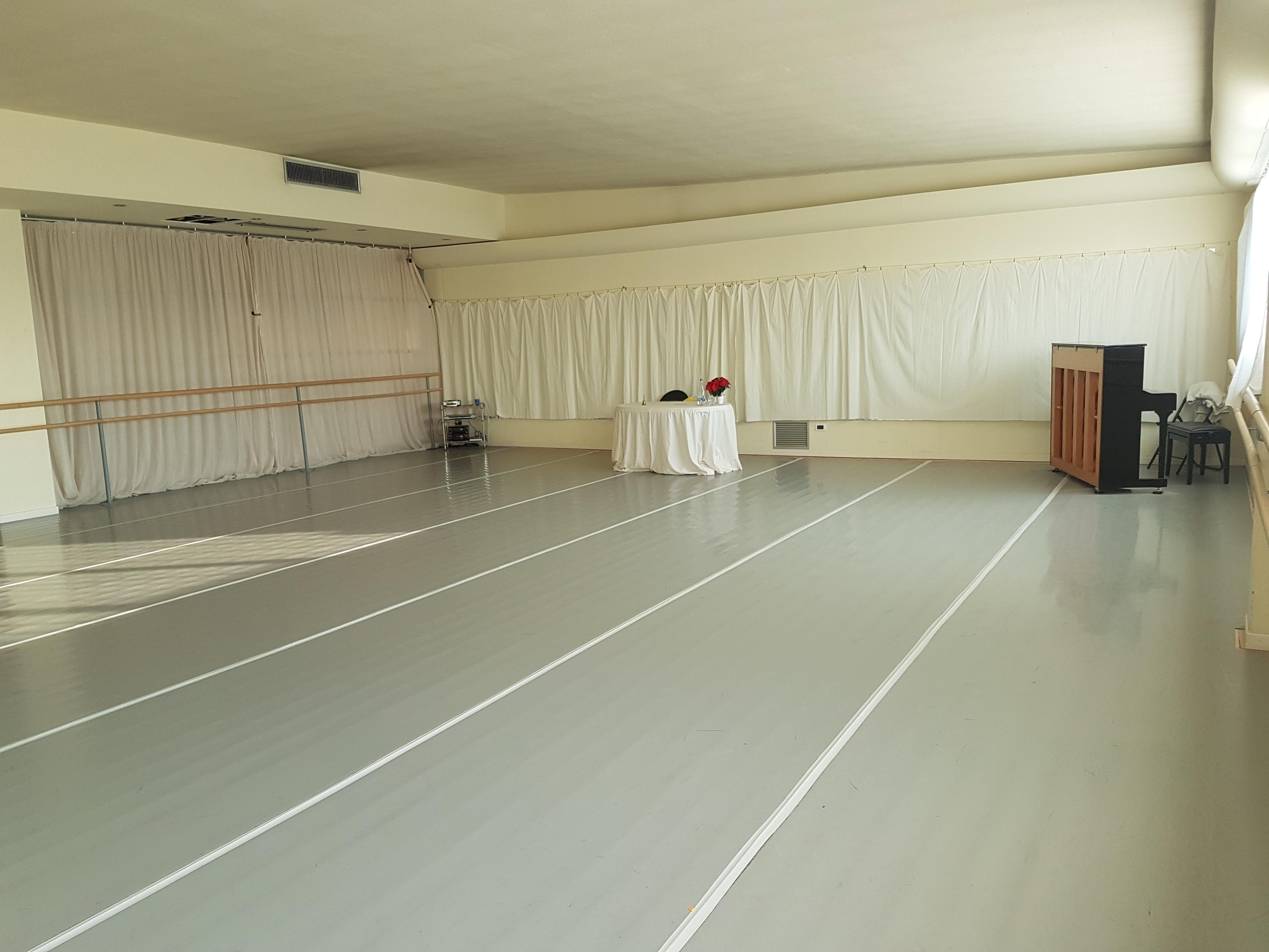 la scuola laboratorio danza verona. Black Bedroom Furniture Sets. Home Design Ideas